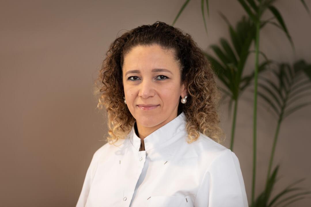 Nesrin El Masri - Tandartspraktijk Heresingel