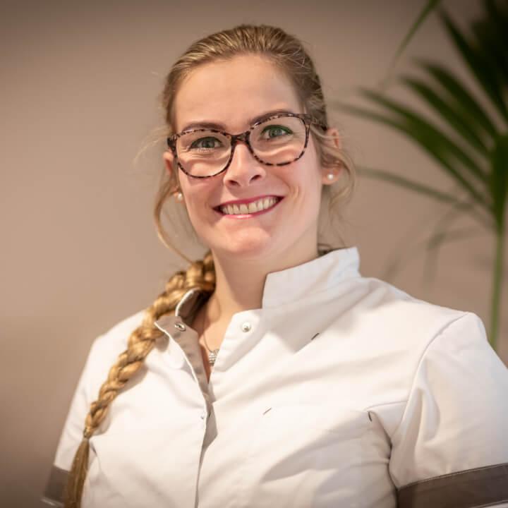 Debbie van Velzen - Assistente en receptioniste bij Tandartspraktijk Heresingel